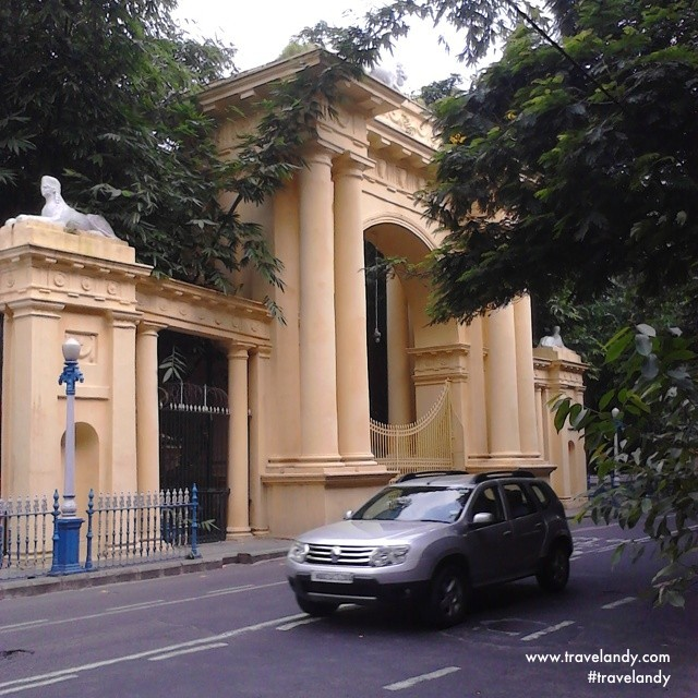 One of the gates of Raj Bhavan, the current official residence of the West Bengal's governor. During the British rule, this was the viceroy's official residence and India was ruled from here