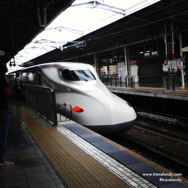 The shinkanshen (bullet train) that took me from Kyoto to Osaka