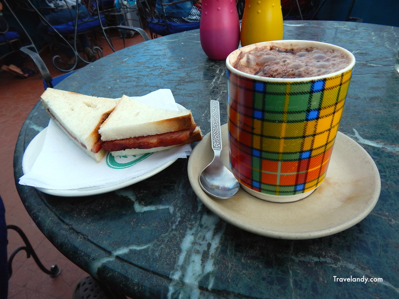 Hamd sandwich and hot chocolate at Keventer's