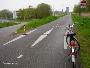 A bicycle highway near Amsterdam