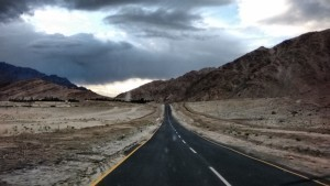 Leh approach road. Picture taken by Swagata Basu.