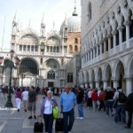 Venice: Protest against mass tourism